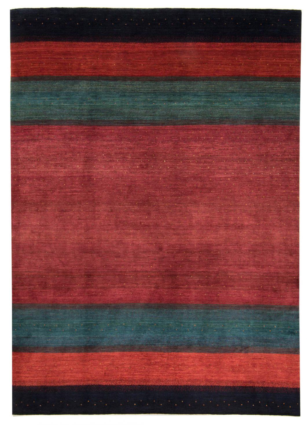a literary analysis of the persian carpet by hanan al shaykh