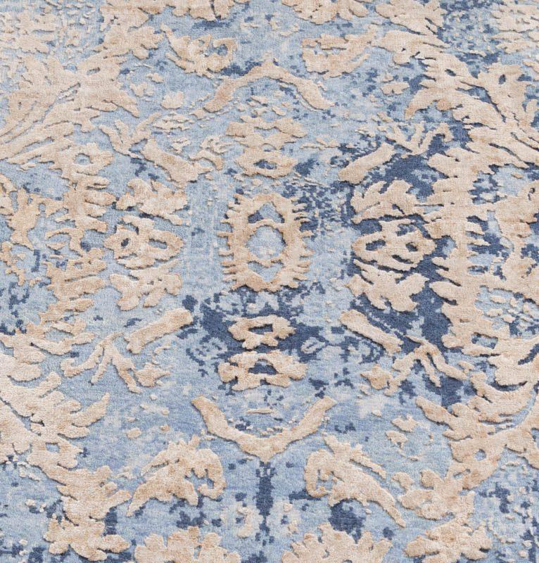 Modern Silk Rug: Ultimate Modern Ornate Wool And Silk Rug